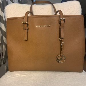 BNWOT Michael Kors bag!